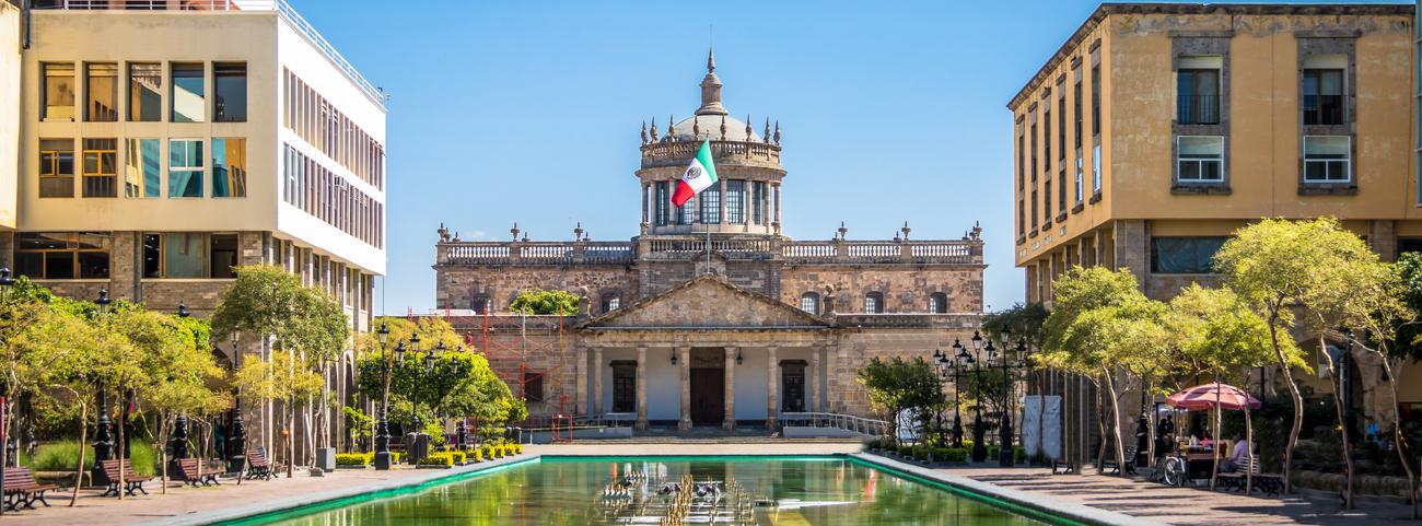 ¿Acabas de comprar un auto usado? Conoce aquí todos los trámites y pasos que debes realizar para el cambio de propietario de un auto en Guadalajara.