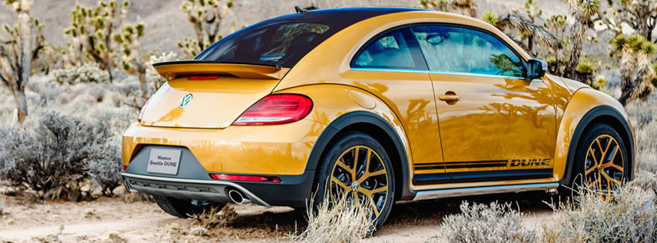 Inspirado en los Baja Bugs de los años 70, llega el nuevo Beetle 2017 de Volkswagen desafiando las carreteras citadinas.