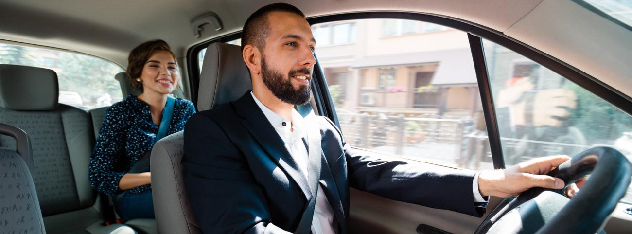 ¿Quieres autoemplearte? Puedes hacerlo fácil convirtiéndote en un conductor Cabify México y así poder ganar un dinero extra desde la comodidad de tu auto.