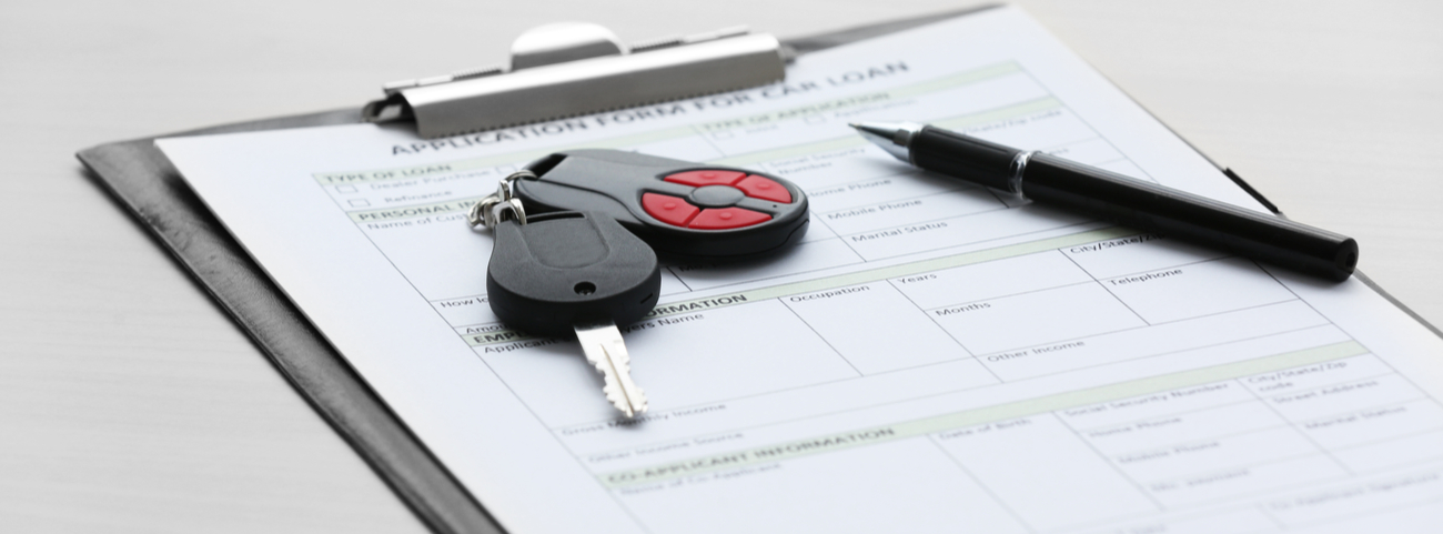 Al adquirir un auto usado necesitarás de un contrato que avale las obligaciones de ambas partes en el proceso de compraventa de auto.