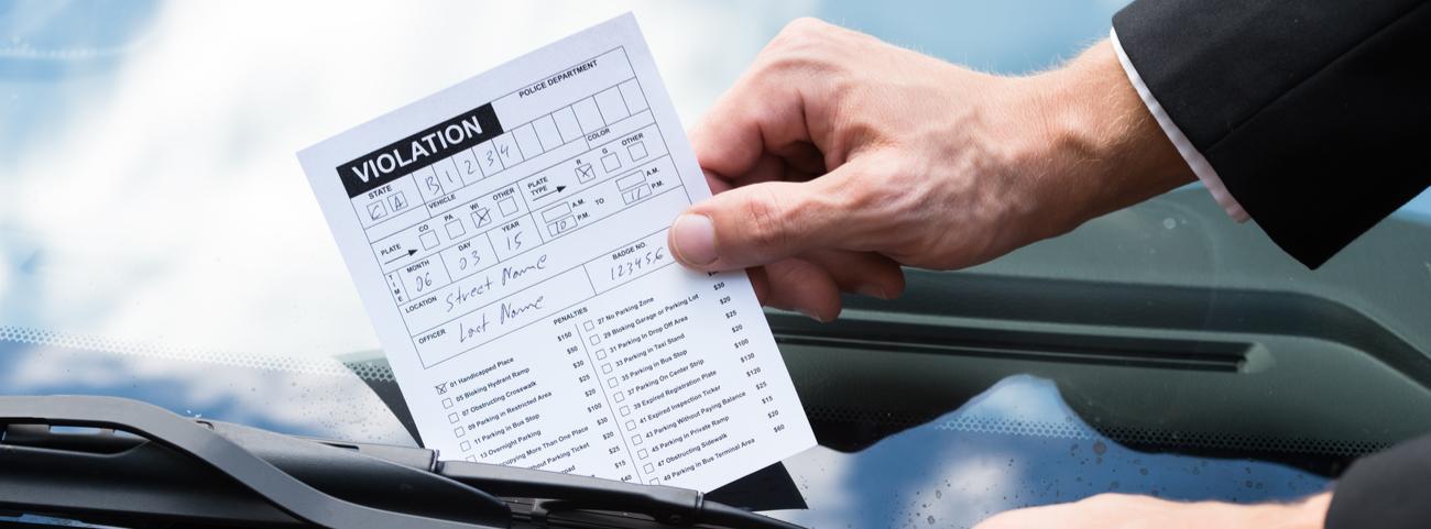 Descubre todo sobre el pago de multas, los tipos de infracciones, sus costos y sanciones adicionales para que no dejes pasar por alto tus adeudos.
