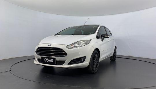 Ford Fiesta TITANIUM HATCH 2015