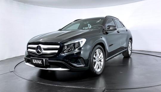 Mercedes Benz GLA 200 CGI ADVANCE TURBO-2015
