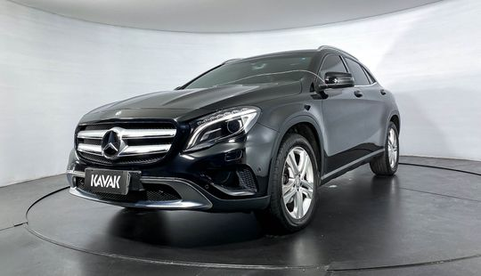 Mercedes Benz GLA 200 CGI VISION TURBO-2015