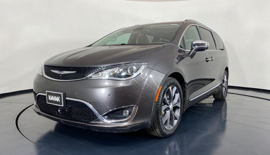 Chrysler Pacifica Limited-2017