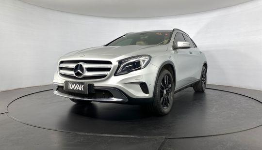 Mercedes Benz GLA 200 CGI ADVANCE TURBO 2015
