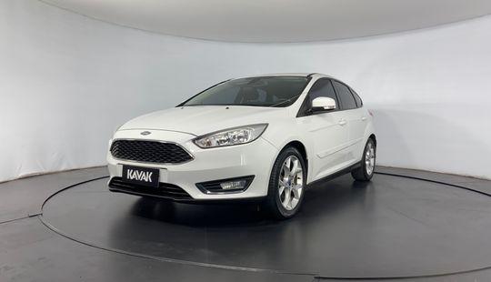 Ford Focus SE PLUS-2016