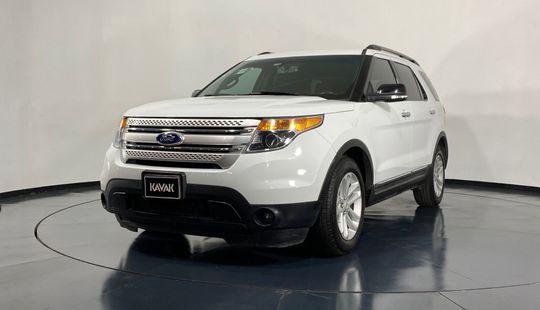 Ford Explorer XLT-2013