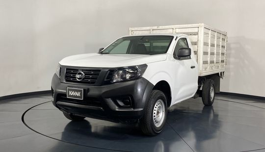 Nissan NP 300 Estacas-2018