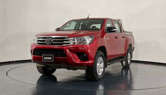 Toyota Hilux Doble Cab Mid-2017