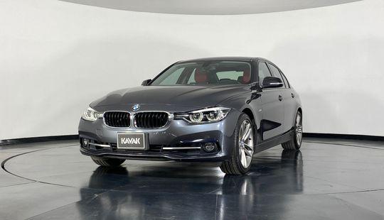 BMW Serie 3 330i Sport Line-2017