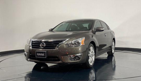 Nissan Altima Exclusive-2013