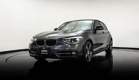 BMW Serie 1 Hatch Back 118i Sport Line 2015