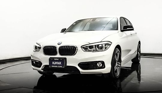 BMW Serie 1 Hatch Back 120i Sport Line 2016