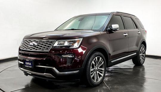 Ford Explorer Platinum-2018
