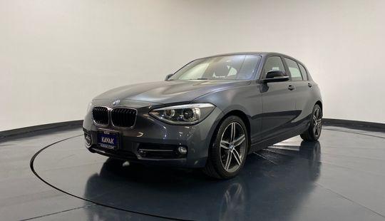 BMW Serie 1 Hatch Back 118i Sport Line 2014