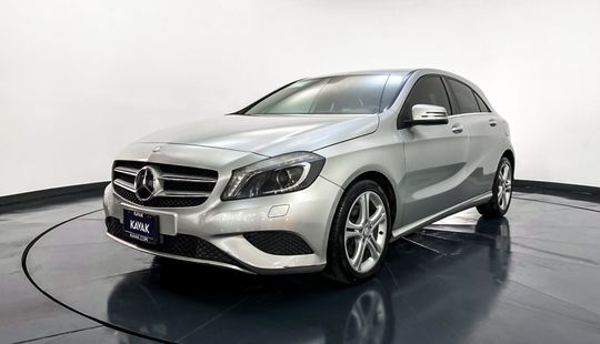 Mercedes Benz Clase A A200 CGI-2013