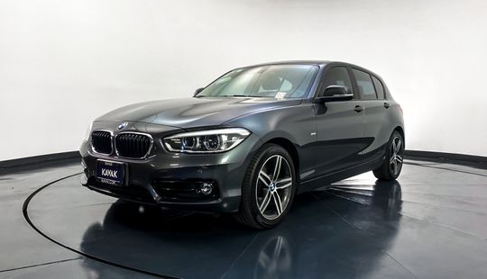 BMW Serie 1 Hatch Back 120i Sport Line 2017