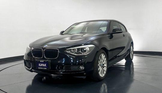 BMW Serie 1 Hatch Back 118i Basico 2015