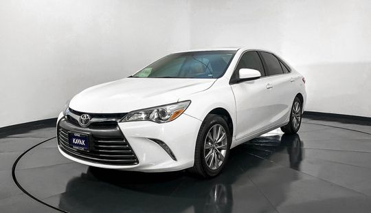 Toyota Camry XLE-2016