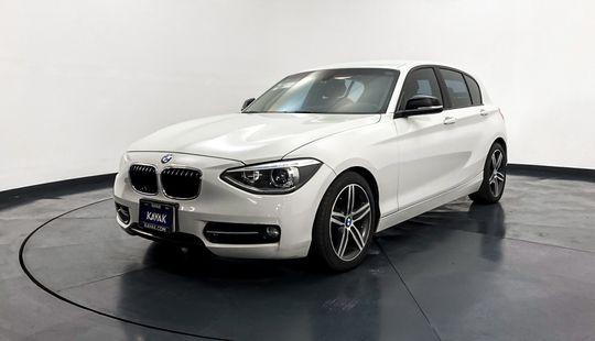 BMW Serie 1 Hatch Back 118i Sport Line 2013