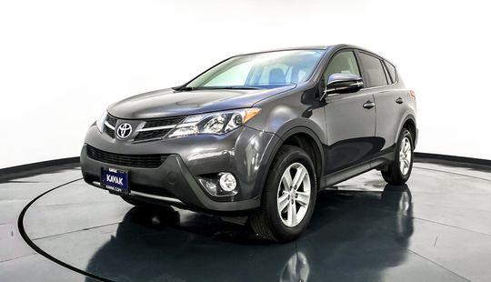 Toyota RAV4 XLE-2013