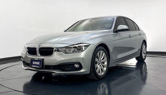 BMW Serie 3 320i Business 2016