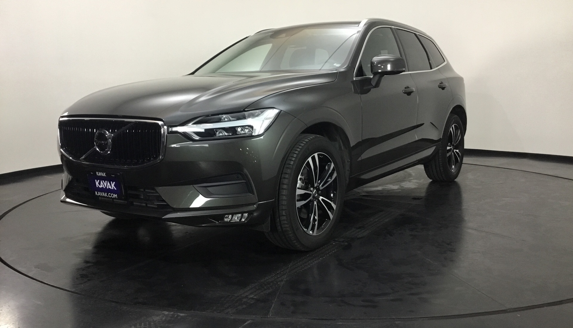 volvo xc60 momentum t5 2018 autom tica 9 736 km. Black Bedroom Furniture Sets. Home Design Ideas