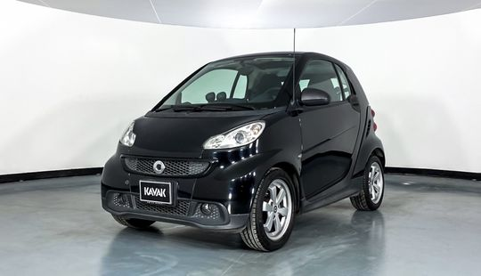 Smart Fortwo Coupé Black and white-2014
