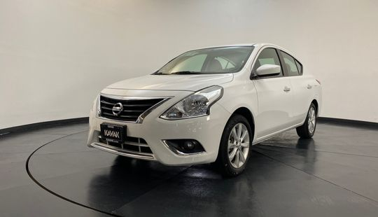Nissan Versa Advance