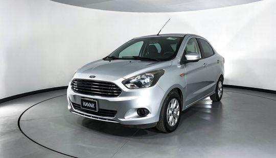Ford Figo Titanium-2017