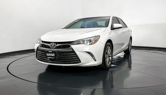 Toyota Camry LE-2016
