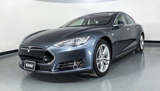 Tesla Model S 85 D