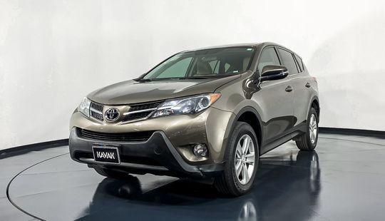 Toyota RAV4 XLE-2014