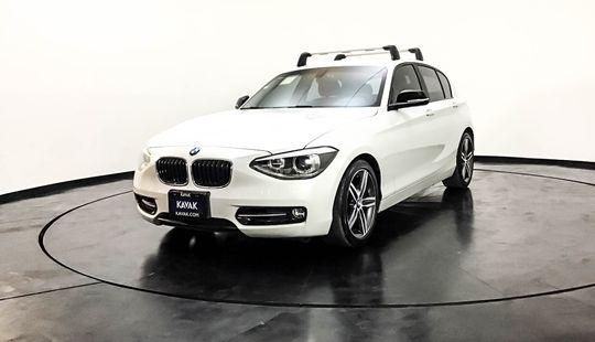 BMW Serie 1 Hatch Back 118i Sport Line 2012