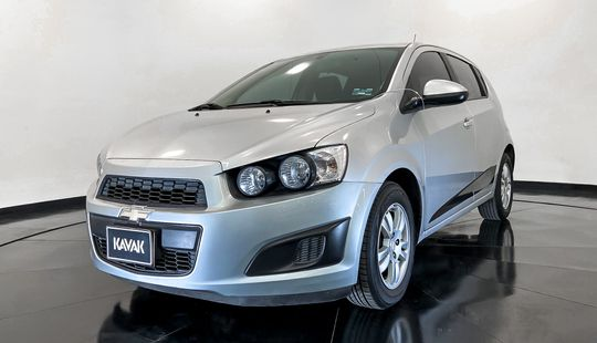 Chevrolet Sonic HB. LT TA (Línea anterior)