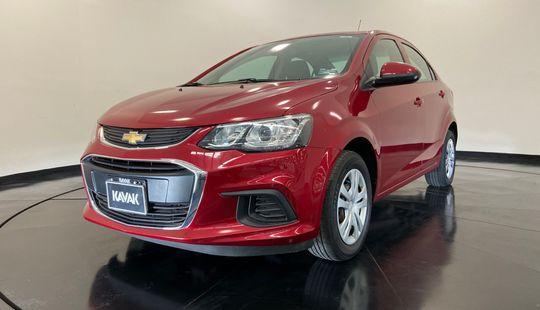 Chevrolet Sonic LS (Cambio de línea)