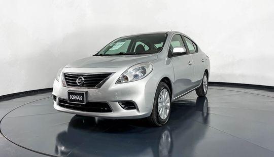 Nissan Versa Sense-2012