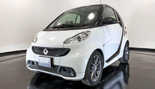Smart Fortwo Coupé Black and white