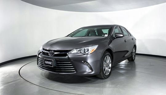 Toyota Camry XLE-2017