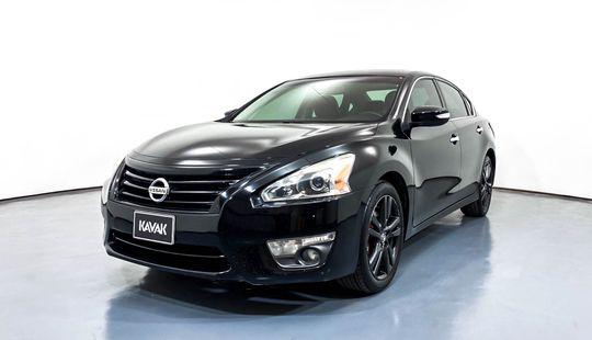 Nissan Altima Exclusive-2015