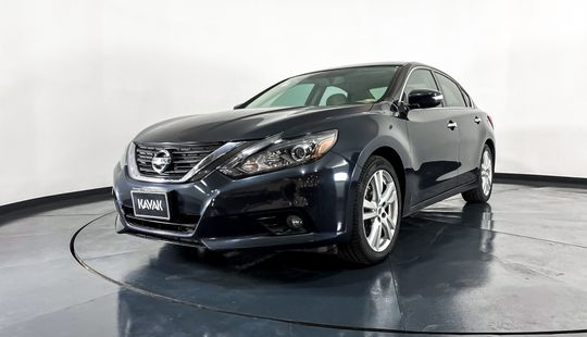 Nissan Altima Exclusive-2017