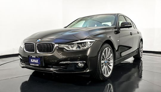 BMW Serie 3 330i Luxury Line