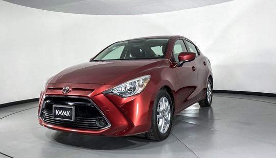 Toyota Yaris R High-2016