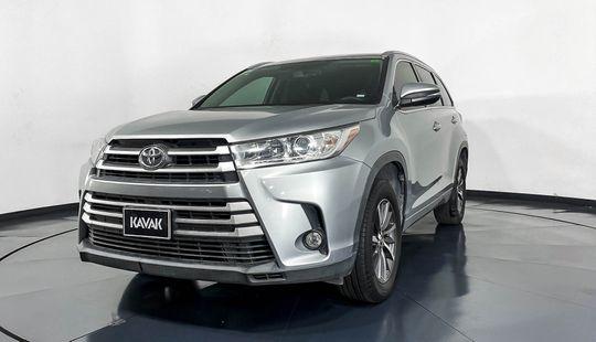 Toyota Highlander XLE-2017