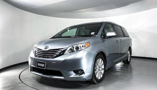 Toyota Sienna XLE-2015