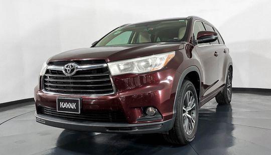 Toyota Highlander XLE-2016