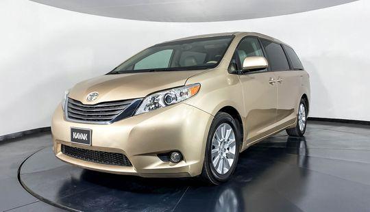 Toyota Sienna XLE-2014