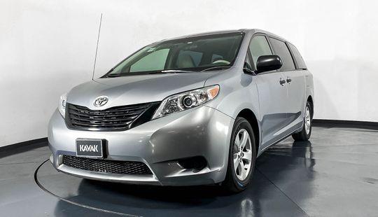 Toyota Sienna CE-2013
