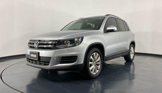 Volkswagen Tiguan Native Sport y Style-2015